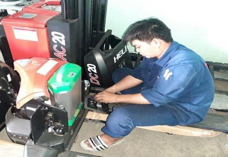 Dịch vụ sửa xe nâng Bình Dương