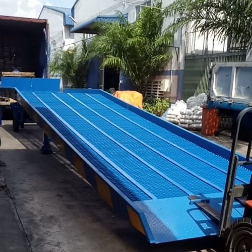 Cầu container