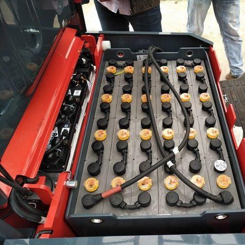 Xe nâng điện 3 bánh