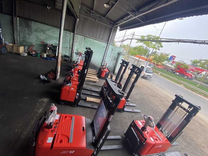 giá xe nâng tay điện 3 tấn Heli CBD30-460