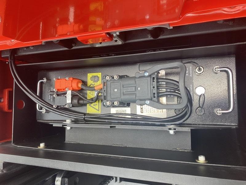 ắc quy lithium xe nâng điện đứng lái Heli