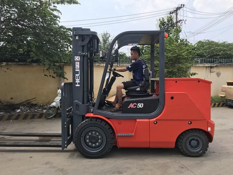 xe nâng điện Heli 5 tấn CPD50-B2