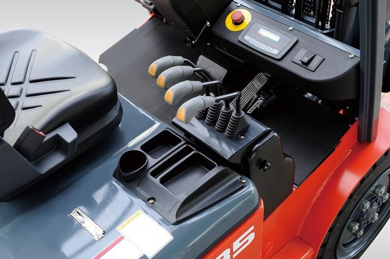 tay điều khiển xe nâng điện 3 tấn
