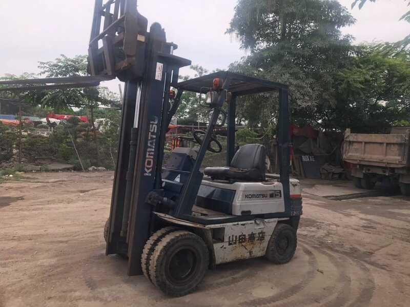 xe nâng dầu 1.5 tấn cũ Komatsu
