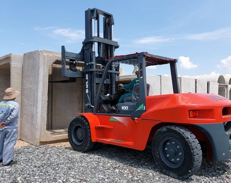 xe nâng 10 tấn ngành bê tông ống cống