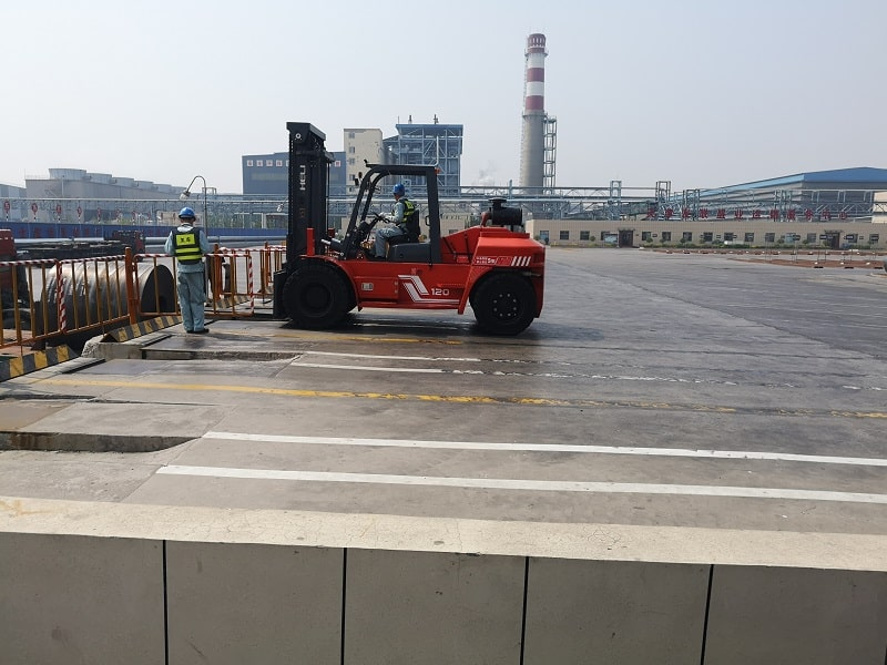 xe nâng 12 tấn tại kcn Phú Mỹ Vũng Tàu