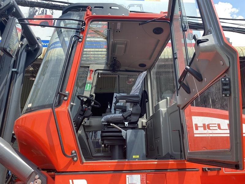 cabin điều khiển xe nâng 12 tấn và 13 tấn