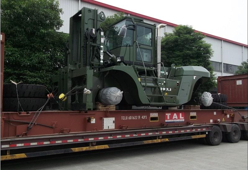 bán xe nâng 25 tấn tại Việt nam