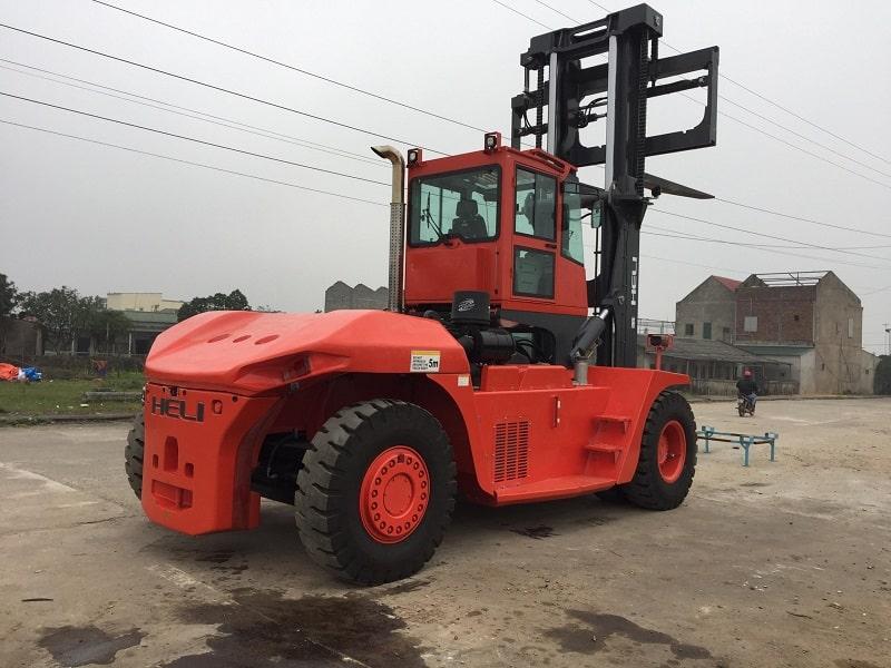 xe nâng 20-25 tấn tại Hà Tĩnh