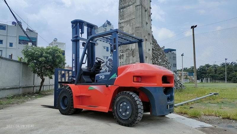 xe nâng dầu Heli 7 tấn