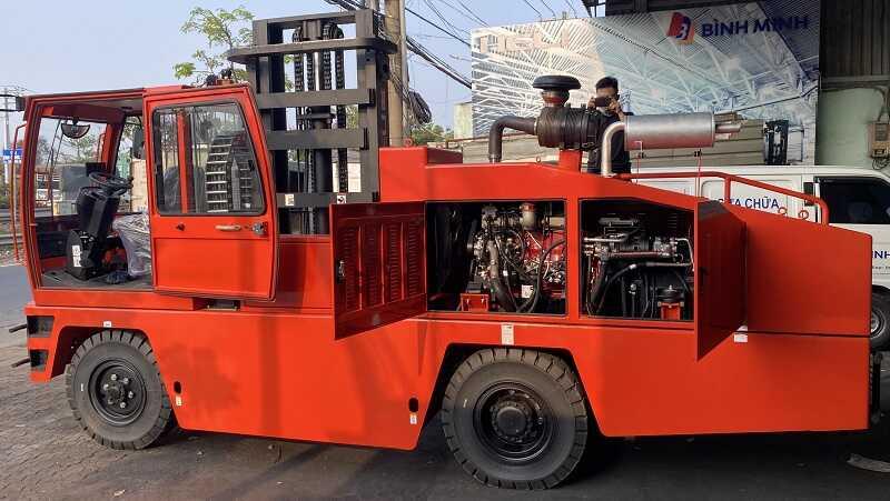 xe nâng ngang ống nhôm 5 tấn